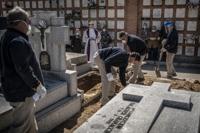스페인 코로나19로 하루 838명 사망…수도권 경찰 500명 감염