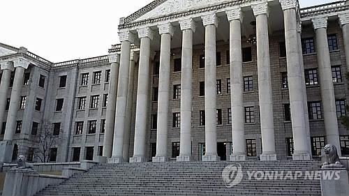 """'경희대 아이돌' 논란 기획사 대표 """"편의 봐달라고 한적 없어"""""""