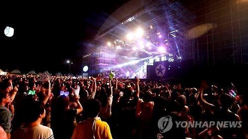 """""""한끼 굶어도 안죽어"""" 아이돌그룹 식비 안준 기획사"""