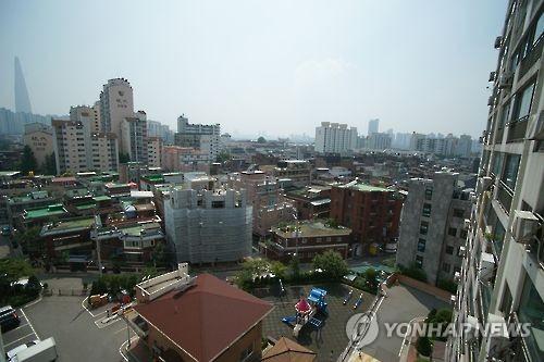 풍납동 일대에 빼곡이 들어선 주택과 아파트 (연합뉴스 자료 사진)