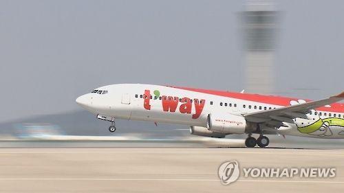资料图片:德威航空客机(韩联社)