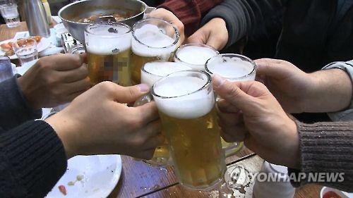 "WHO ""전 세계 사망자 20명 중 1명꼴 술이 원인"""