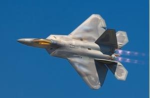 미국 F-22 스텔스 전투기