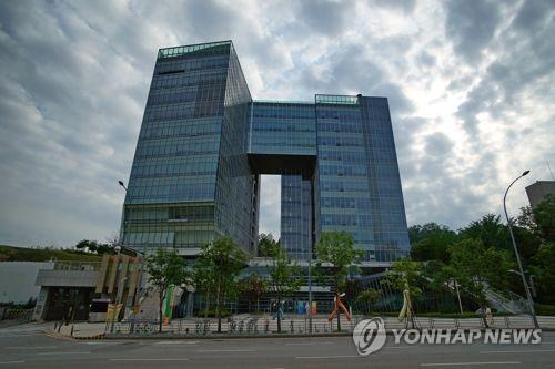 """아버지 회사서 작업중 숨진 아들… 법원 """"유족급여 지급해야"""""""