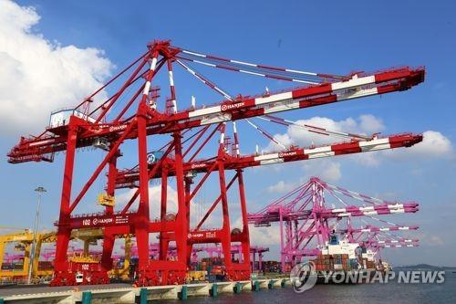 인천항 작년 컨테이너 물동량 '역대 최대' 304만8000TEU