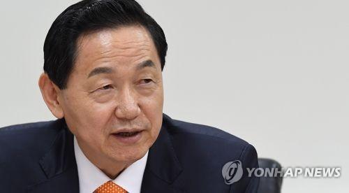 연합뉴스와 인터뷰하는 김상곤 사회부총리 겸 교육부 장관