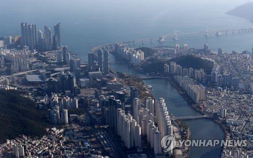 부산 수영강 일대[연합뉴스 자료사진]
