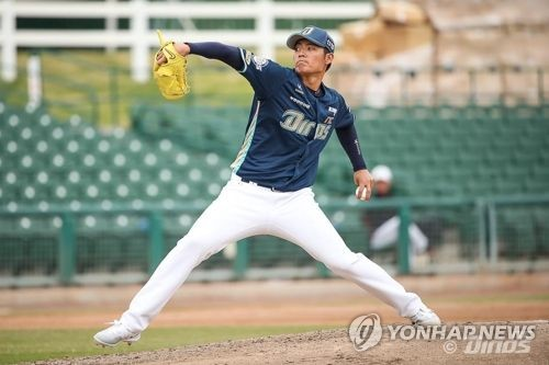 김동엽·로하스 결승 홈런 '쾅'…SK·kt 개막전 승리합창
