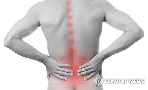 """[건강이 최고] 국민병 '요통'…""""하루 30분 이상 걷는 게 명약"""""""