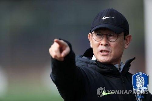 윤덕여 여자축구 대표팀 감독