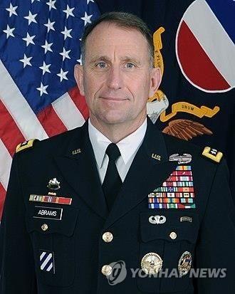 로버트 에이브럼스 미 육군 전력사령부 사령관