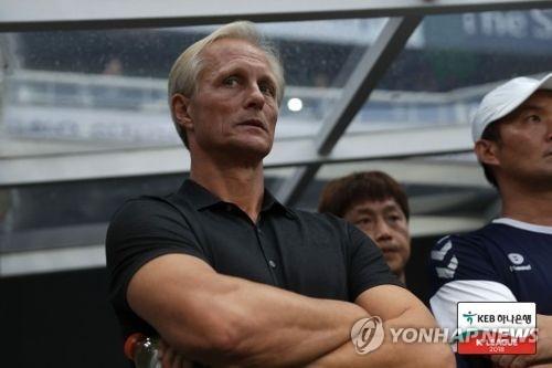 '판정 불만 표출' 안데르센 인천 감독, 상벌위에 회부
