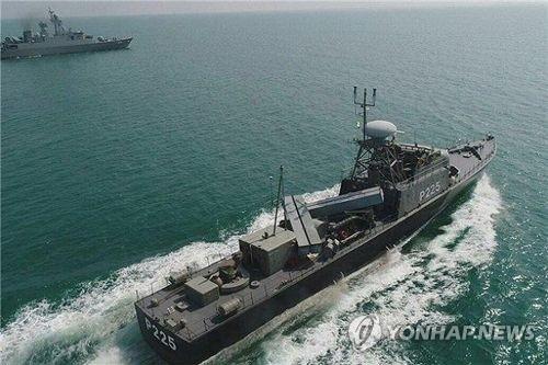 훈련 중인 이란 혁명수비대 해군
