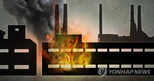 아산 지게차 수리공장서 불…1억5천만원 피해