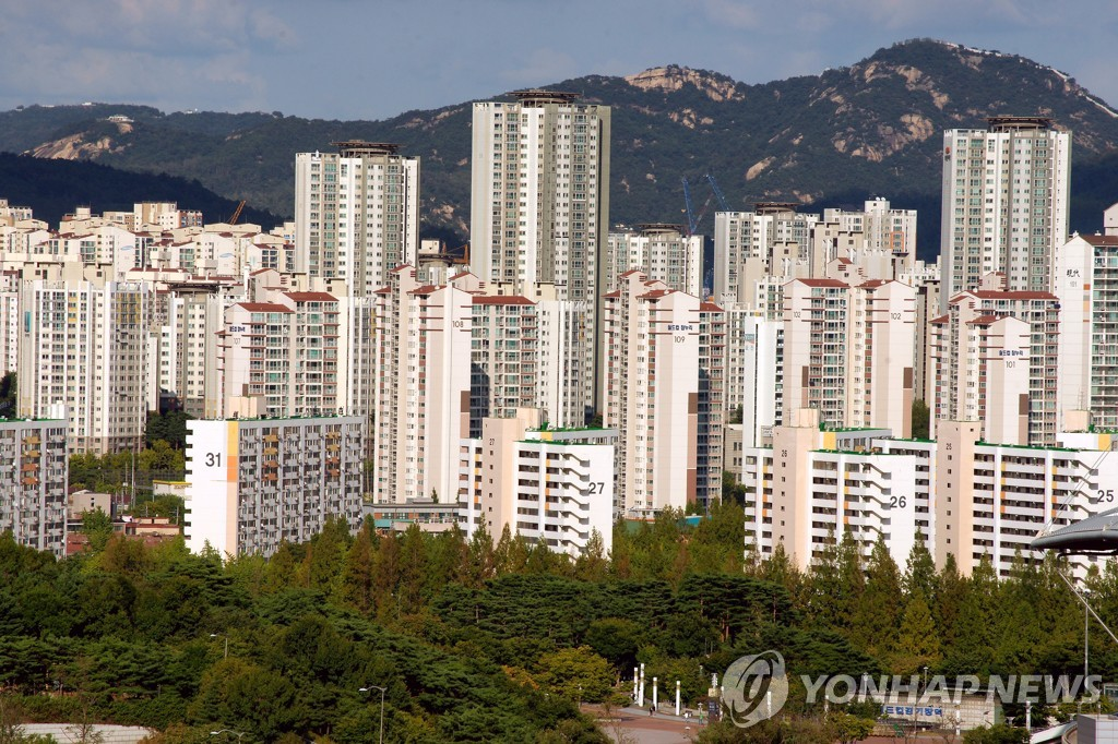 서울의 한 아파트 일대  [연합뉴스 자료사진]