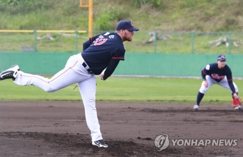 New American pitcher most surprised with raucous dugout in KBO