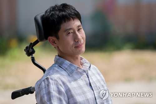 (Yonhap Interview) Actor Shin Ha-kyun still feels excited before film's premiere