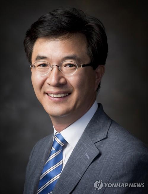 [동정] 한국경쟁법학회 신임 회장에 이황 고려대 교수