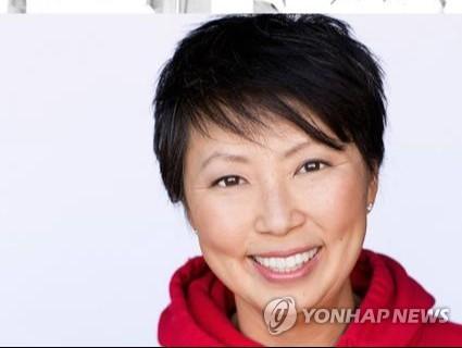 """입양 한인 美코미디언 """"친척 누구라도 찾고 싶어요"""""""