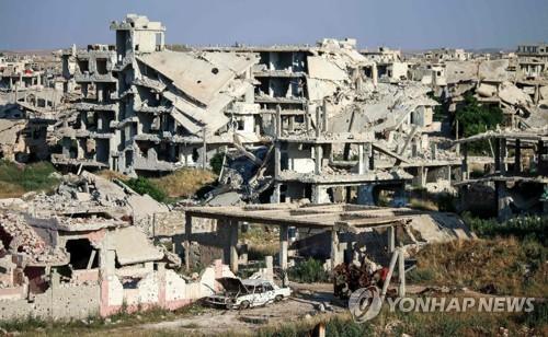 시리아 남부 긴장 고조…정부군 포격에 피란민 행렬