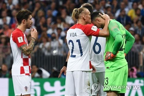 [월드컵] 자책골·핸드볼 앞에 멈춰 선 크로아티아의 '큰 꿈'