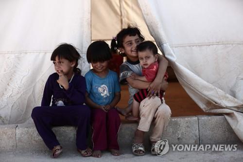 이들립 난민캠프의 아이들
