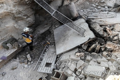 6일 시리아군의 포격에 파괴된 이들립 남부 알타마나 구역