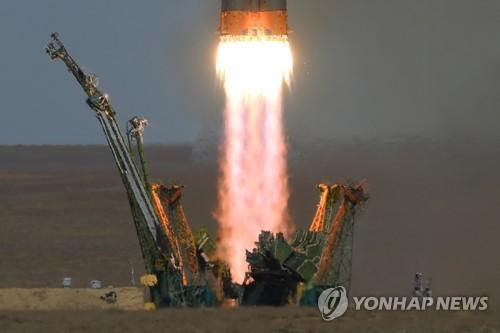 '소유스 MS-10' 우주선 발사 모습