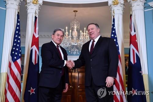 """폼페이오, 뉴질랜드 외교장관 회담…""""北 FFVD 지원해줘 감사"""""""