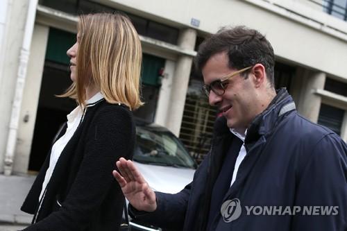 고립되는 마크롱…'그림자' 최측근 정무특보도 사임