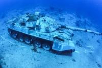 ′바다 속에 잠긴 장갑차·헬리콥터′…요르단 수중 군사 박물관