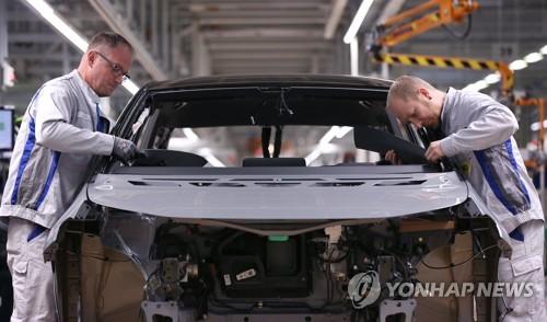 """글로벌 車업계 '칼바람'…""""8만명 해고 예고"""""""