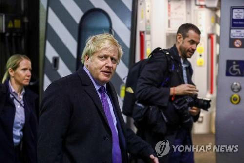 브렉시트 완수하고 감세…英 존슨, 재집권 '100일 계획' 공개(종합)