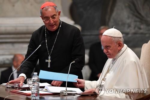 교황 대리해 로마 교구 관장하는 추기경도 코로나19 감염