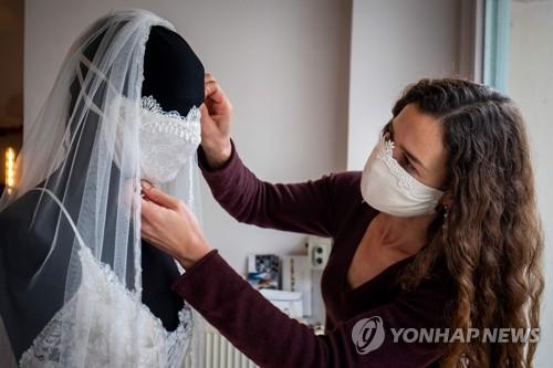 독일 소도시서 '마스크 의무'…WHO 권고와 달리 유럽 곳곳 착용