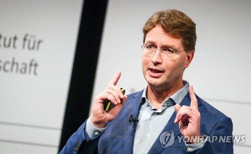 """[글로벌CEO] 다임러 켈레니우스 의장 """"단기간 수익 개선 어려워"""""""
