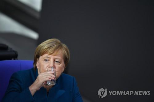 """메르켈 """"독일, '노 딜' 브렉시트에 대비하고 있다"""""""