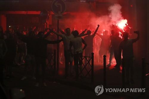 유럽 축구광팬들의 난동 [EPA=연합뉴스 자료사진]