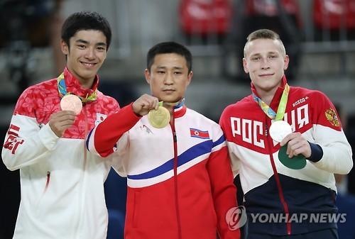 북한 체조 '도마 영웅' 리세광 은퇴…2016 리우올림픽서 금메달