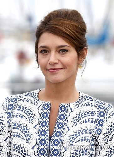 프랑스 배우 에마 드콘