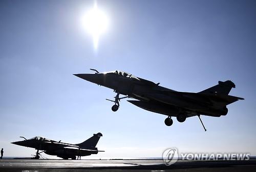 """""""시리아서 美동맹군 공습에 친정부군 큰 손실""""…미, 부인(종합)"""