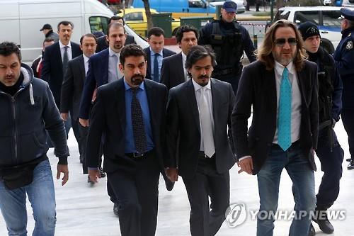 올해 1월 그리스대법원의 송환 심리에 출석하는 터키군인들