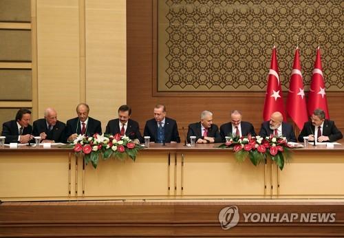 터키, 에르도안 대통령(중앙) 독려로 자동차 개발 조인트벤처 설립