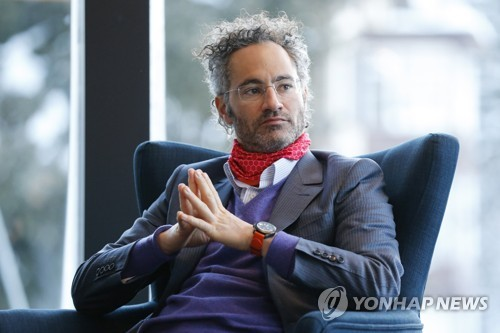 """13가지 코스요리 즐기던 '팔란티르', IPO 앞두고 """"절약 또 절약"""""""