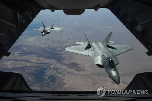 IS 격퇴전에 배치된 미 공군 F-22기