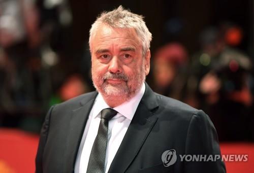 뤽 베송 감독, 여배우·직원 여러명 성추행 의혹
