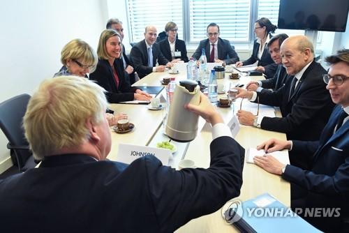 EU 28개 회원국 외교장관이 참석한 외교이사회 모습 [룩셈부르크 EPA=연합뉴스]