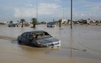 '사막의 나라' 쿠웨이트에 폭우…공항·도로 마비