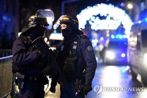 """프랑스 총격범 범행시 """"신은 위대하다""""…대테러수사 개시"""