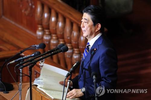 """아베 """"중의원 해산 머릿속에 없다""""…내달 참의원 단독선거"""